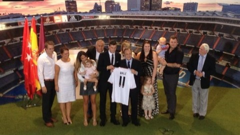 Gareth Bale signs for Madrid